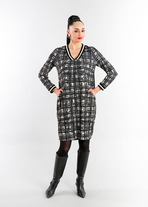Eroke Long Sleeve Dress with Pockets