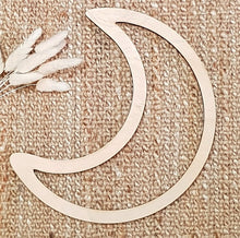 Timber Macrame Frame - Crescent Moon