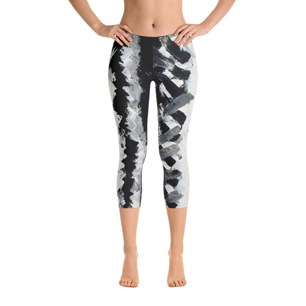 Up. Capri Leggings Abstract Deep