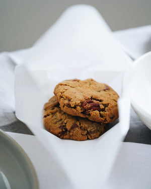 b) Pecan cookies with idduki hill chocolate