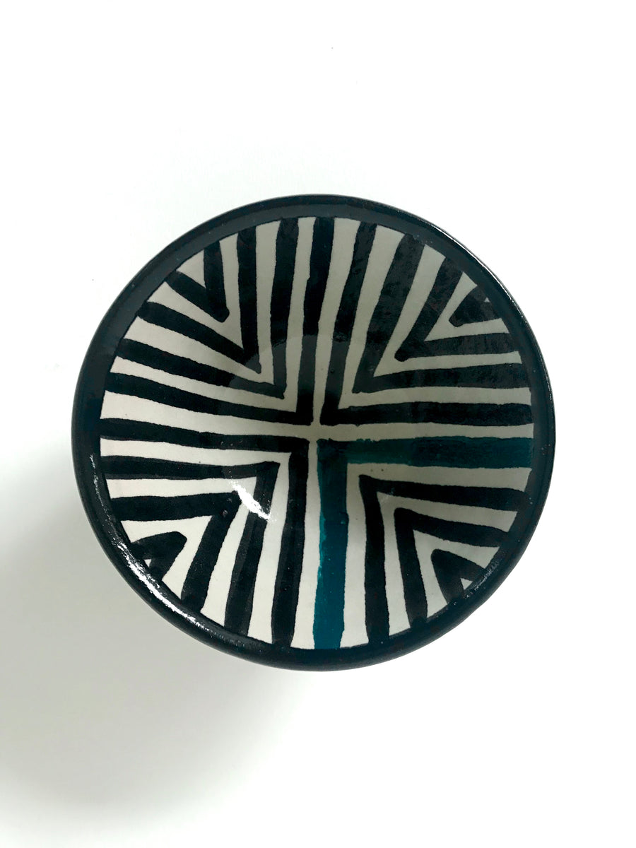 Geometric pattern bowl