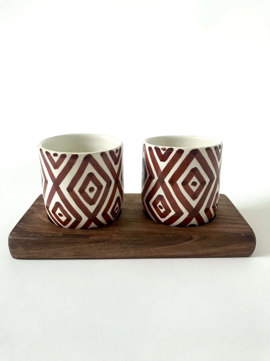 Berber sign cups with wooden tray