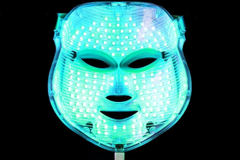 LED Light Therapy for Acne - Tween to Teen