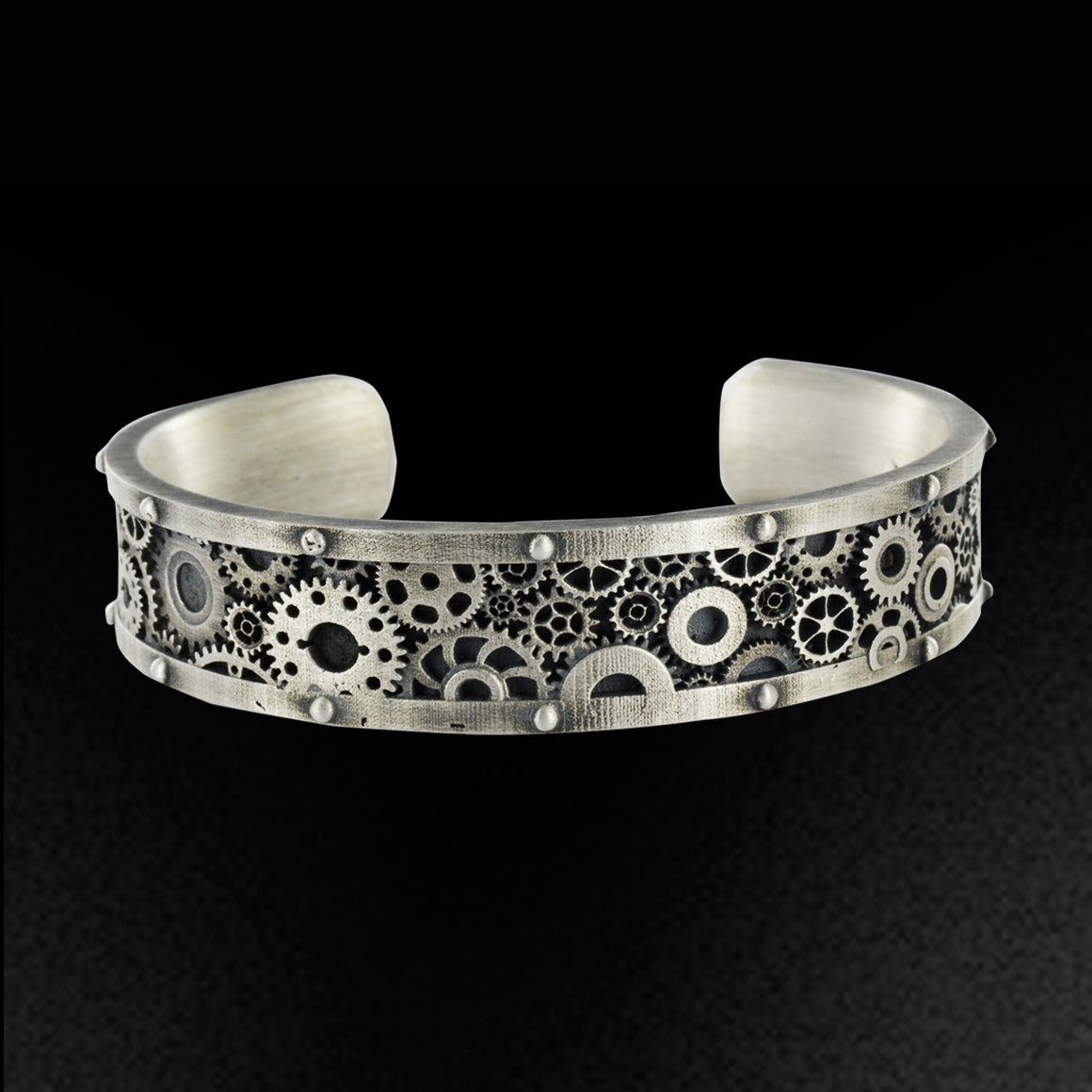 "2 SAINTS - Bracelet - ""Gear Cuff"""