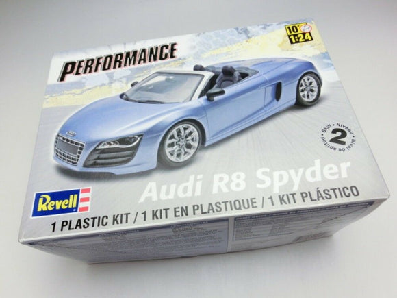 Revell 1/24 Audi R8 Spyder Model Plastic Kit