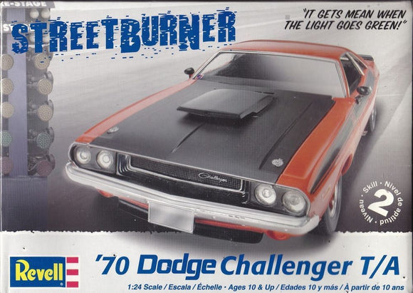 Revell 1/24 '70 Dodge Challenger T/A 2 'n 1 Plastic Model Kit