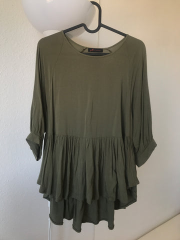 Army Acrylic Vintage Blouse Layered Ruffled Size M/L