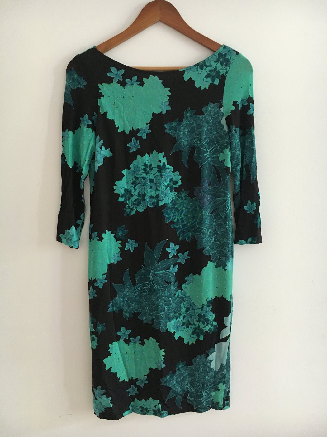 Black-Emerald Polyester / Rayon Vintage Cocktail Dress Open-backed