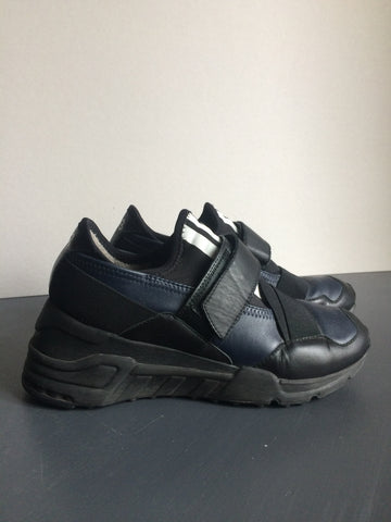 Black-Midnight Blue Leather Y-3 Sneakers Conceptual Detail