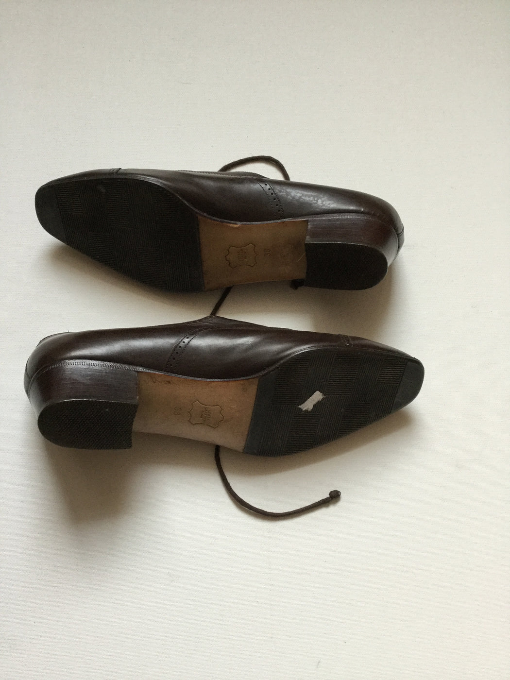 Chocolate Leather Bally Oxford Heels  Size 38