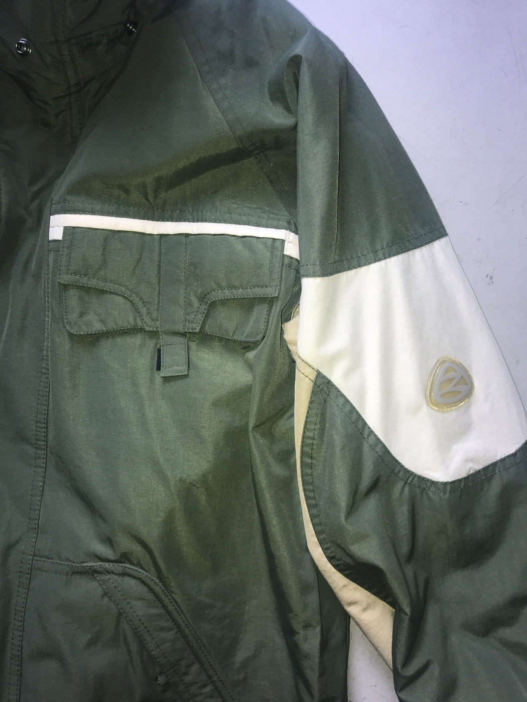 White-Hunter Green Polyester Modern Vintage Jacket Pocket Detail