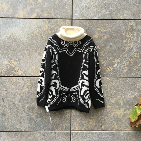 Black-White Acrylic Mix Vintage Sweater Turtle Neck Size S