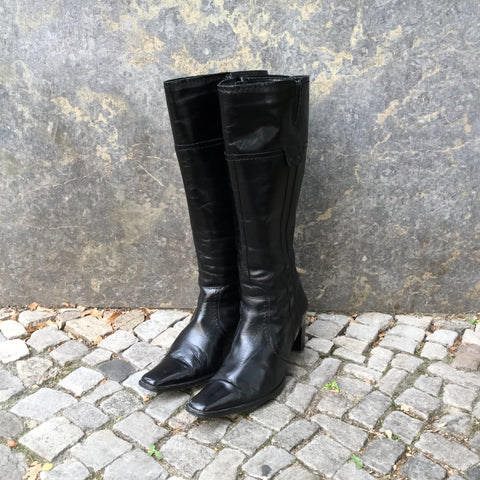 Black Leather Vintage Boots  Size 37