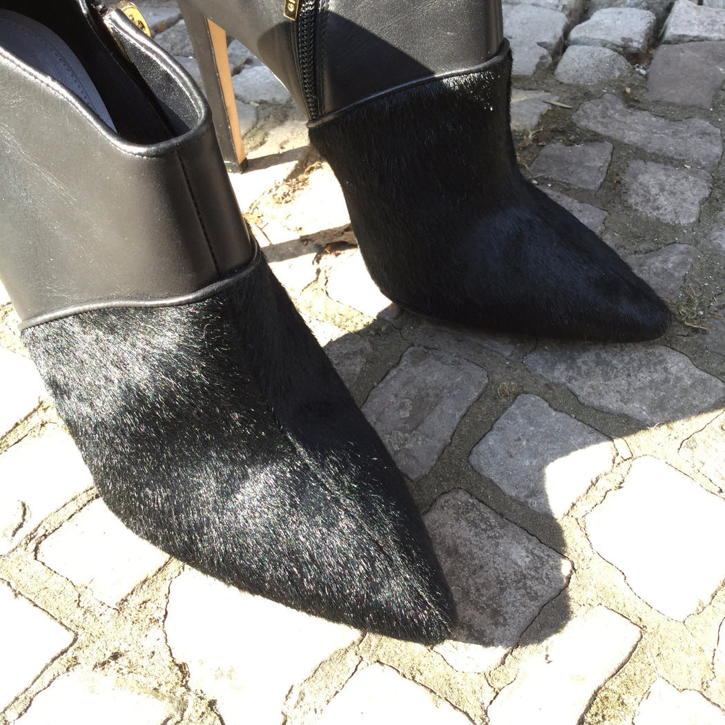 Black Leather / Fur Mix Gio Diev Ankle Boot Heels  Size 8.5