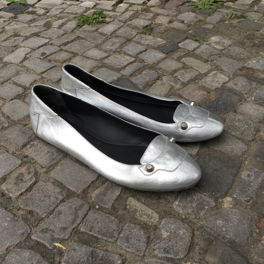 Silver Leather Balenciaga Slippers Studded Size 7.5