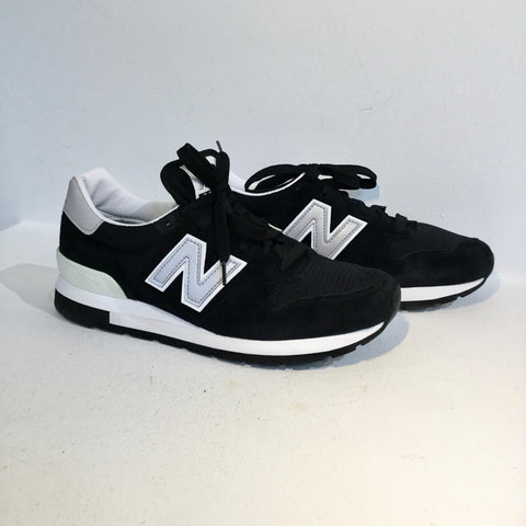 Black-White Leather/synthetic Mix New Balance Sneakers  Size 43