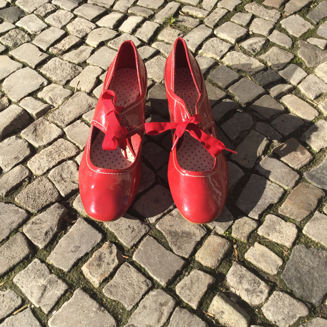 Red Faux Nappa Contemporary Main Mary Janes Ribboned Size 8.5