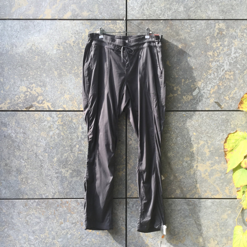 Dark Grey Nylon The North Face Jogging Pants Stretch Waist Size 30/31