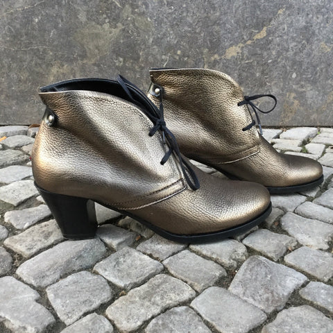 Gold Leather Contemporary Ankle Boot Heels  Size 7