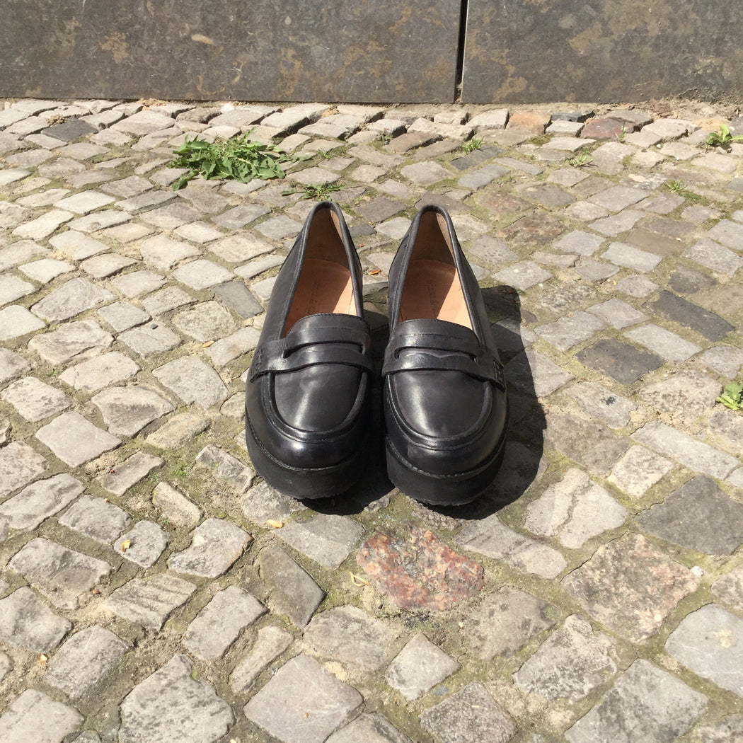 Black Faux Nappa Contemporary Main Loafers  Size 8.5