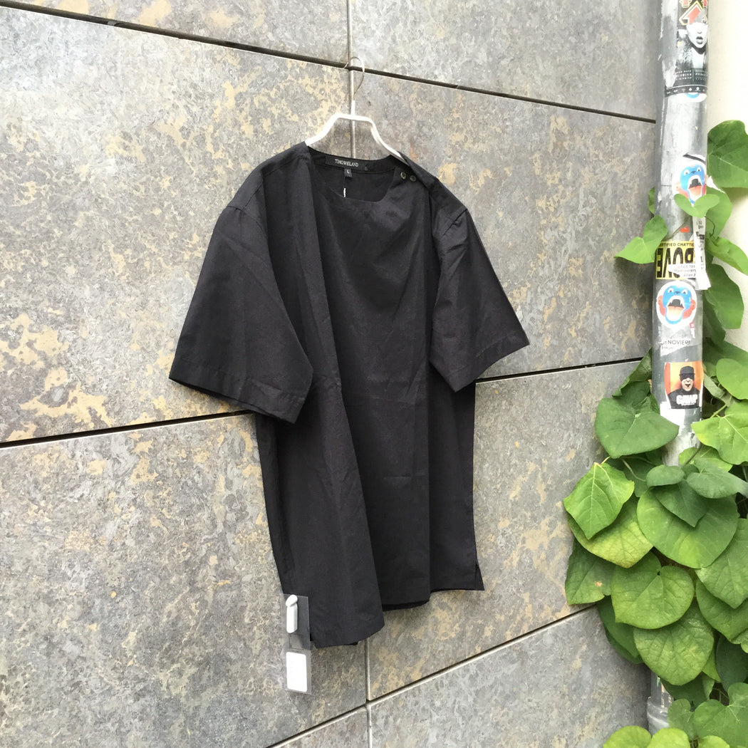 Black Cotton / Poly Mix Independent Top SS Boxy Size L