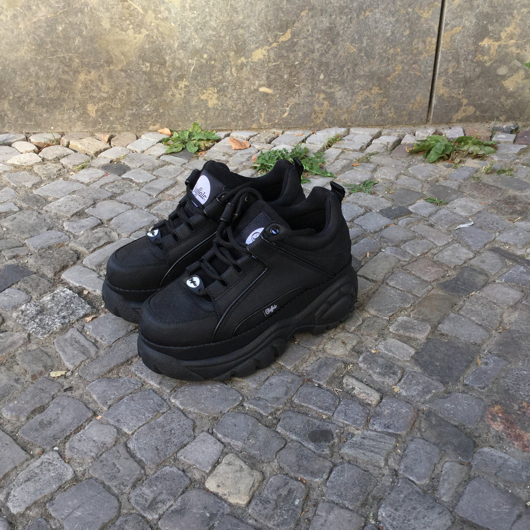 Black Leather/Synthetic Mix Buffalo Sneakers Platform Size 7.5