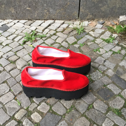 Black-Red Velour Independent Shoes Platform Size 39