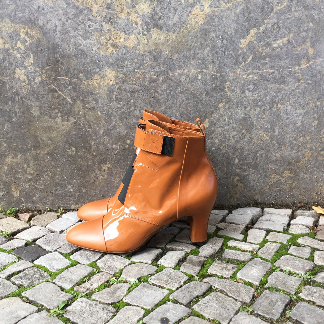 Tan-Black Leather Louis Vuitton Ankle Boot Heels Straps Size 41