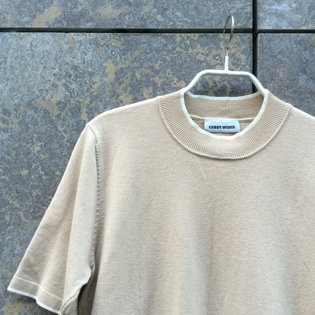 Beige-White Cotton / Rayon Mix Contemporary Main Knit Top  Size M/L