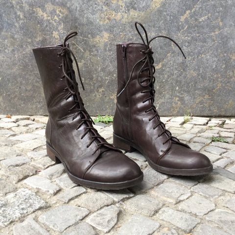 Dark Leather Brown Leather Contemporary Main Boots  Size 9.5