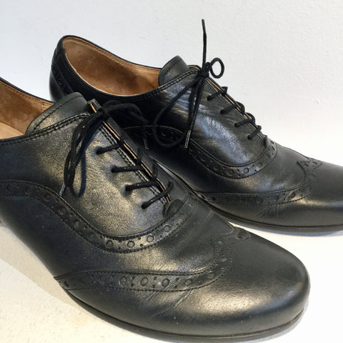 Black Leather Gabor Oxford Heels