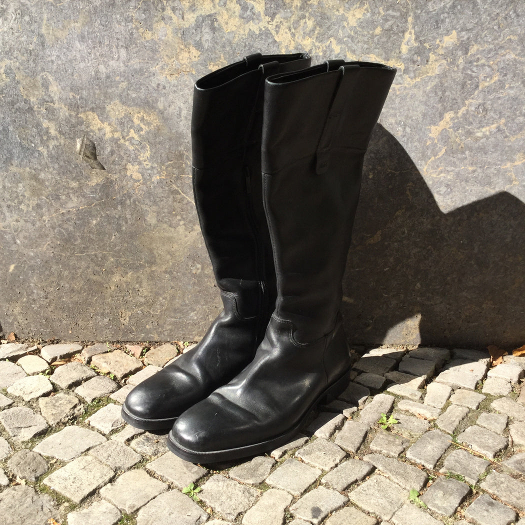 Black Leather Hugo Boss Boots  Size 41