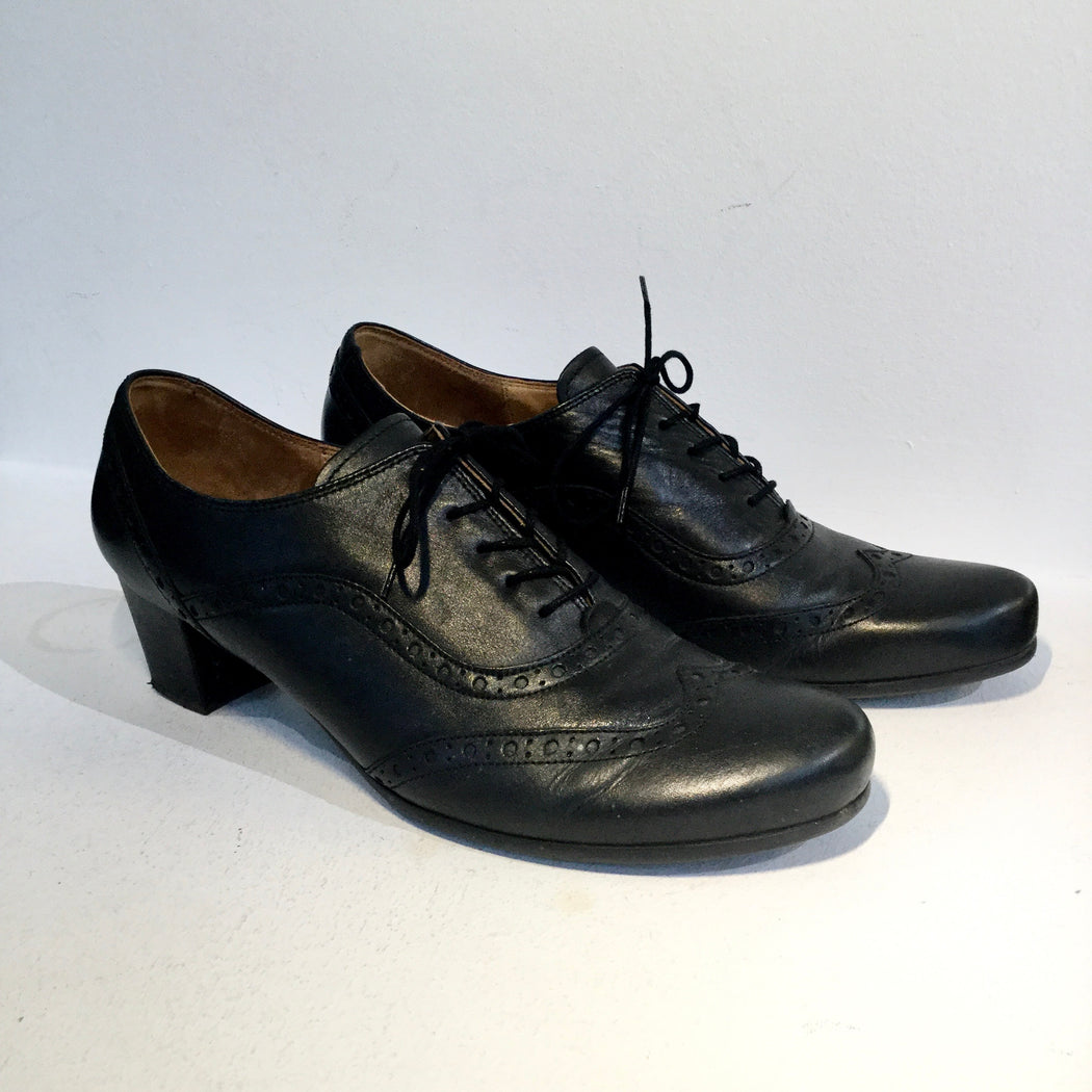 Black Leather Gabor Oxford Heels  Size 41