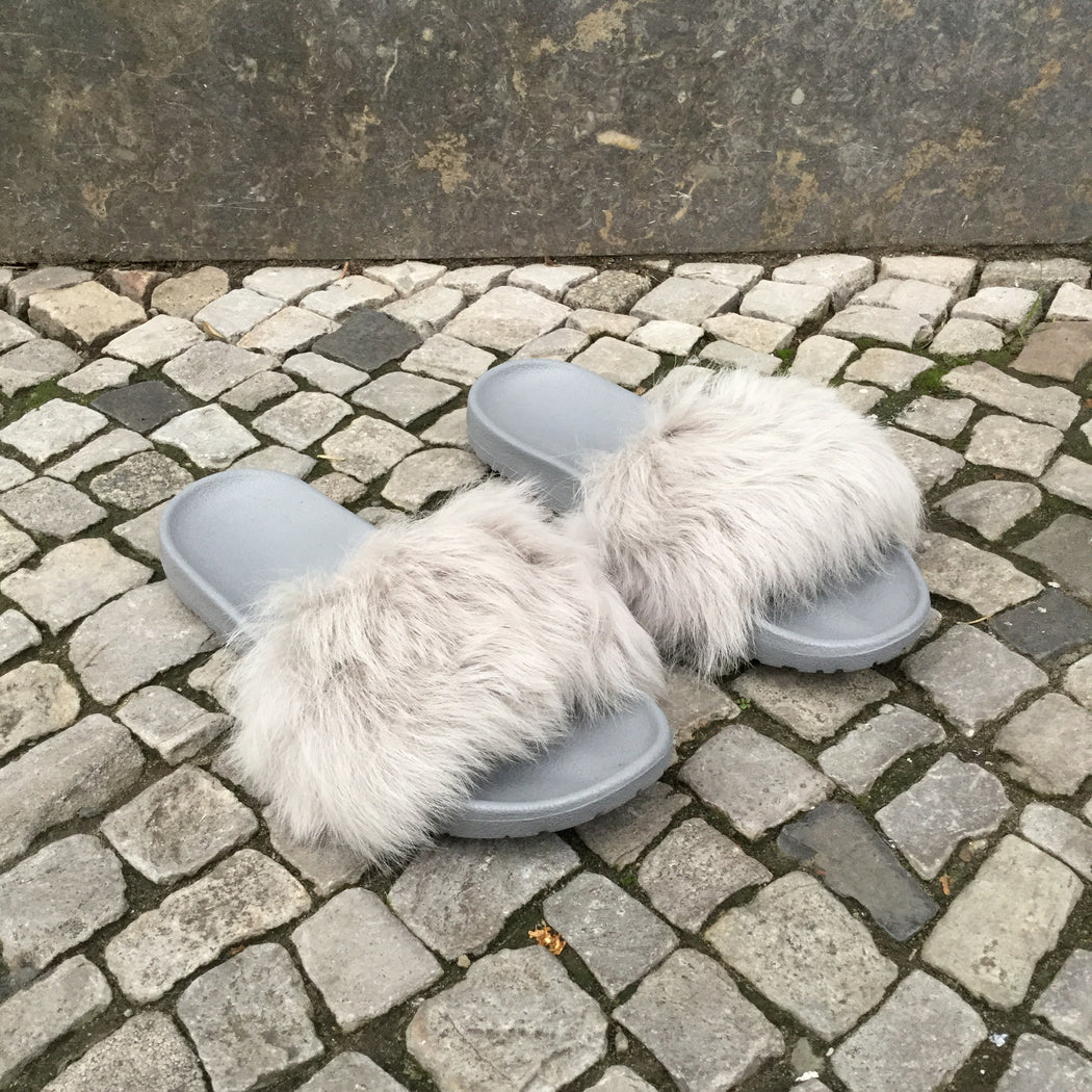 Light Gray Faux Fur Contemporary Mules  Size 11