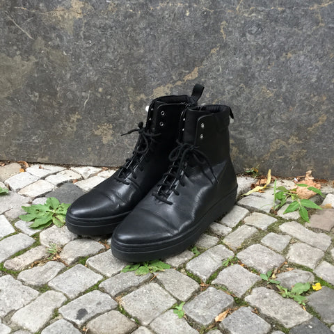 Black Leather Vagabond Ankle Boots  Size 36