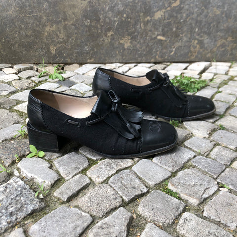 Black Leather/synthetic Mix Chanel Pumps Heels Stitching Detail Bow Detail Size 36