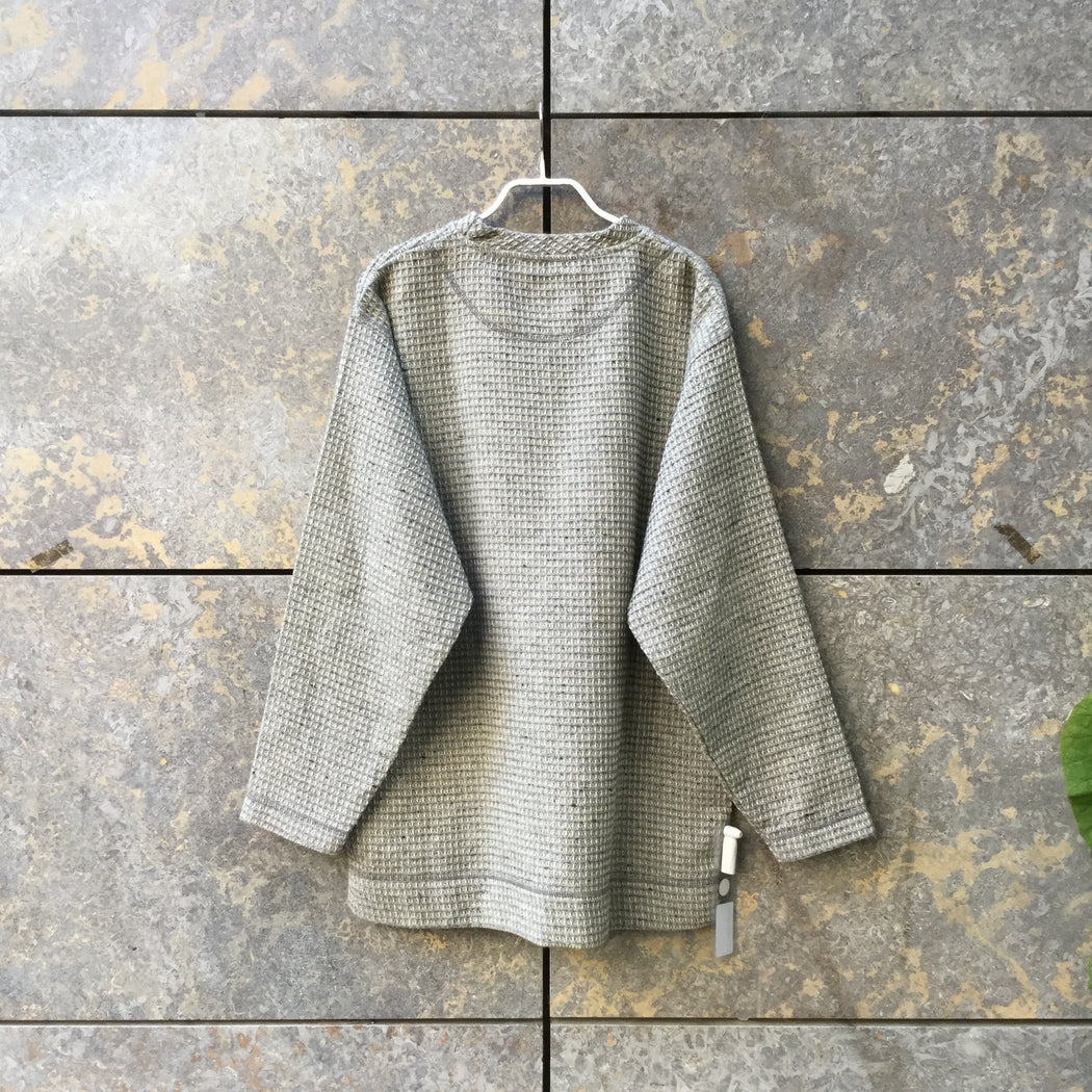 Concrete Wool / Polyester Mix Contemporary Main Light Sweater  Size S/M