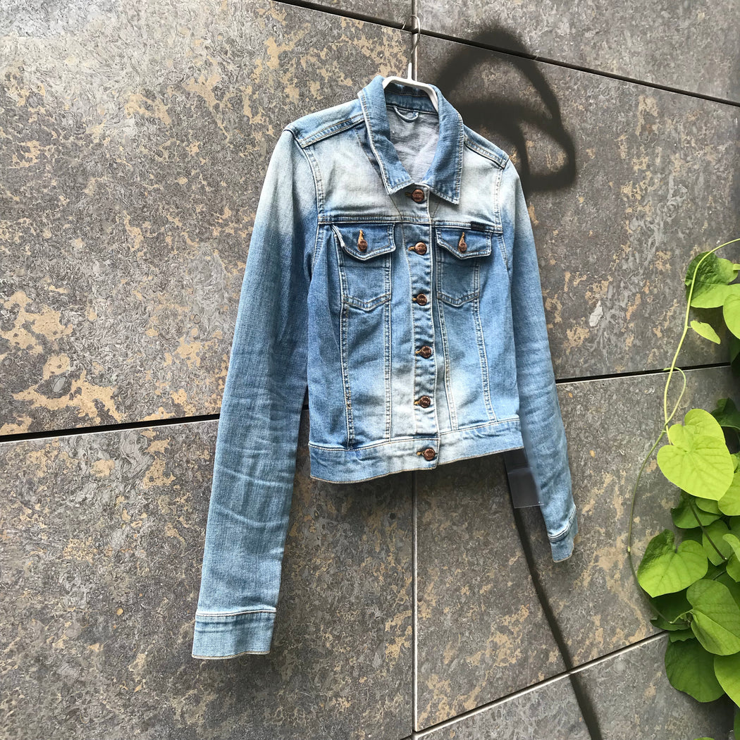 Pale Denim Blue Denim Contemporary Main Jeans Jacket  Size S/M
