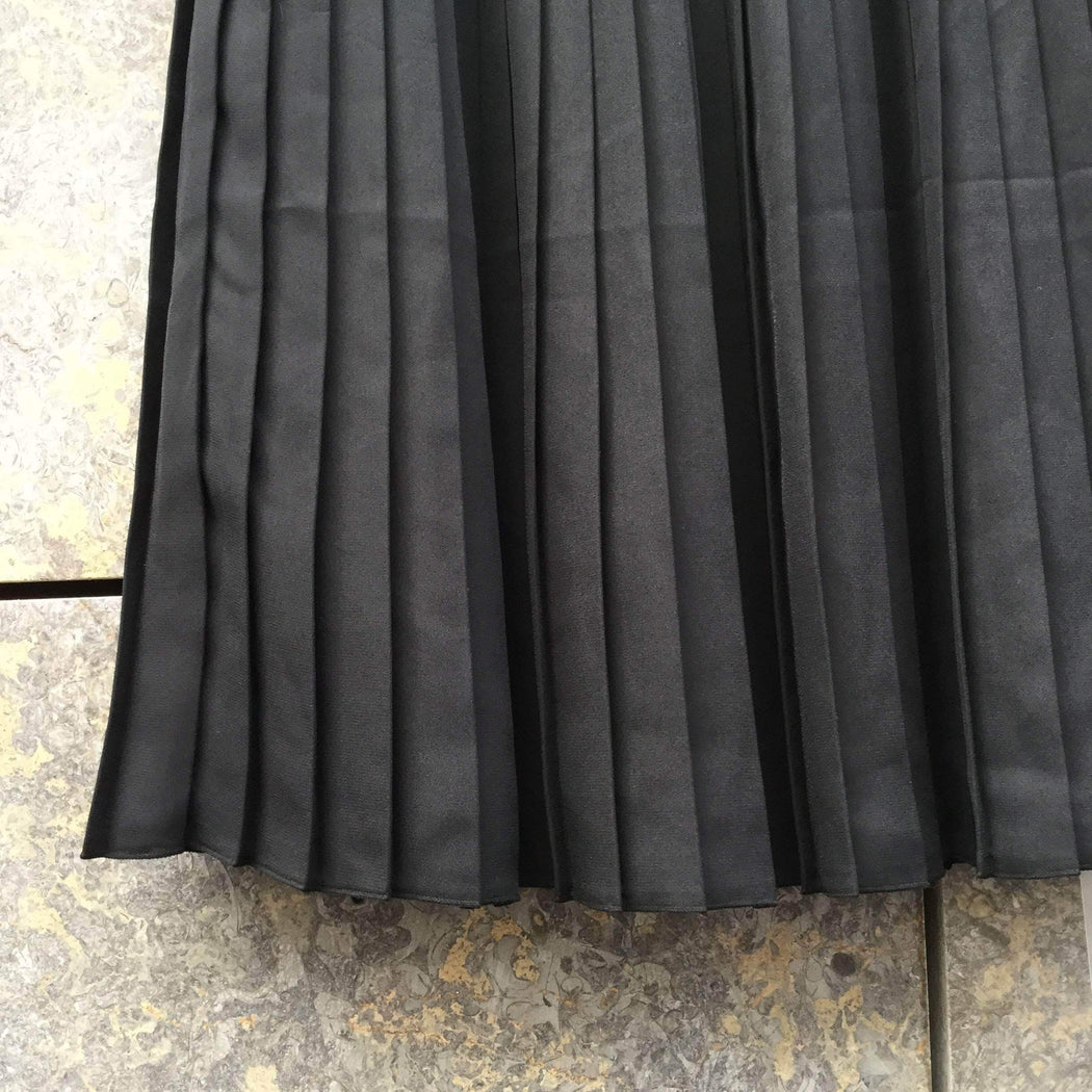 UniQlo Skirt Black Polyester Modern UniQlo Skirt   Pleated Size 25/26