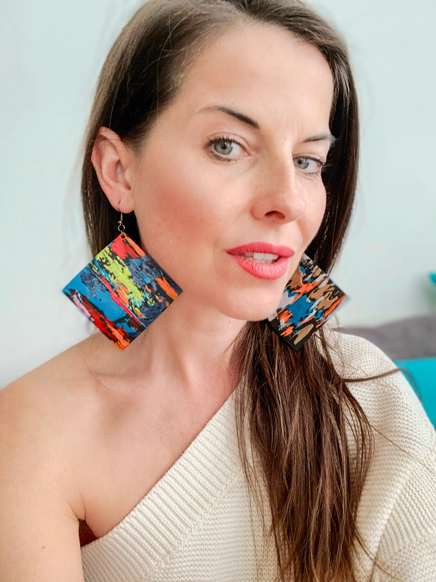 upcycled fashion London statement earrings from scrap tyre rubber by Laura Zabo