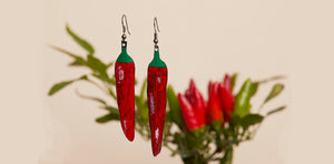 Upcycled inner tube statement jewelry chilli peppers by Laura Zabo