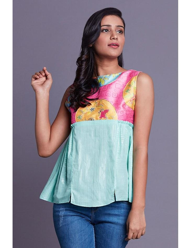 Turquoise sleeveless top