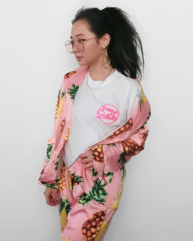 Hawaii Sister Embroidered T-shirt - White [韓國女裝] - STYLEITNRY