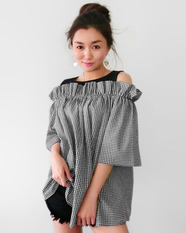 Gingham Off-the-shoulder Top - Black [韓國女裝] - STYLEITNRY