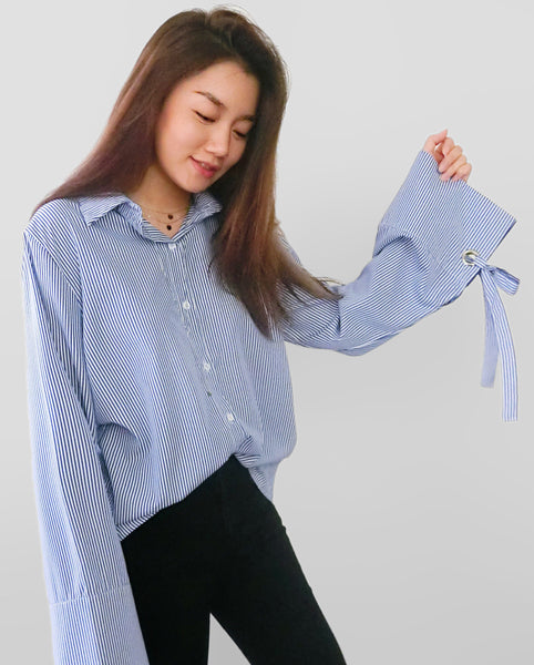 Oversized Shirt with Wide Sleeves in Blue Stripes [韓國女裝] - STYLEITNRY