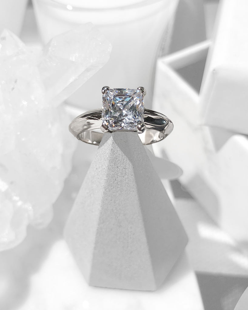 High Jewellery 1895 Solitaire Ring 2 | STYLEITNRY