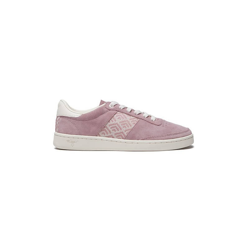 Handmade low-top sneakers in pink with white details