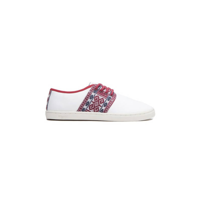 Vegan low-top sneakers in white with red and blue details