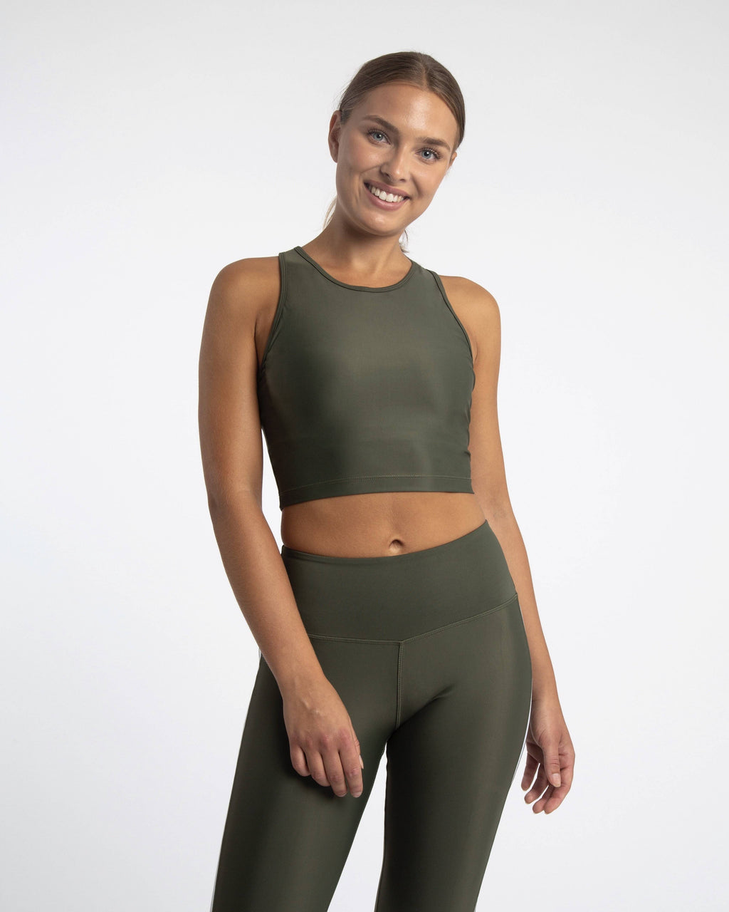 Econyl sleeveless sports crop top in green
