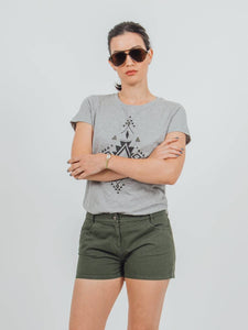 Five-pocket slim fit organic cotton shorts in green
